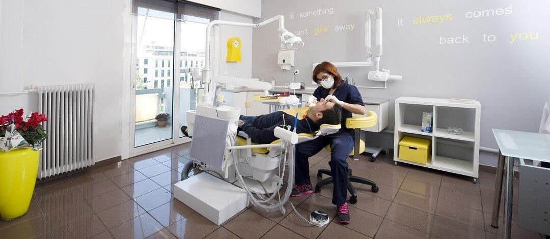Οδοντιατρειο Ιωάννα Κληρονομου,DDS - Dental male patient